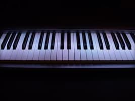 MIDI Keyboards – How Many Keys? 25, 32, 49, 61 or 88?