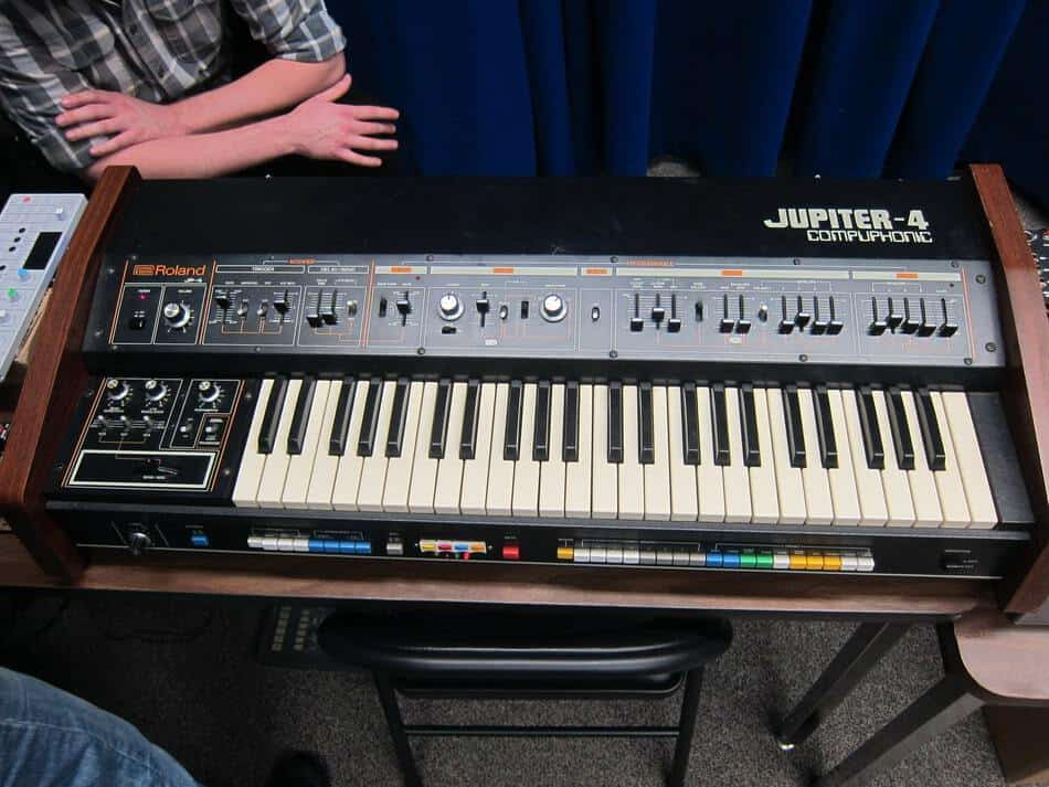 15 Reasons To Choose Vintage Analog Synths Over Digital