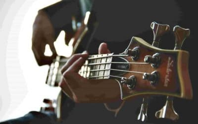 Recording Bass Guitar at Home – Using a DI or a Microphone