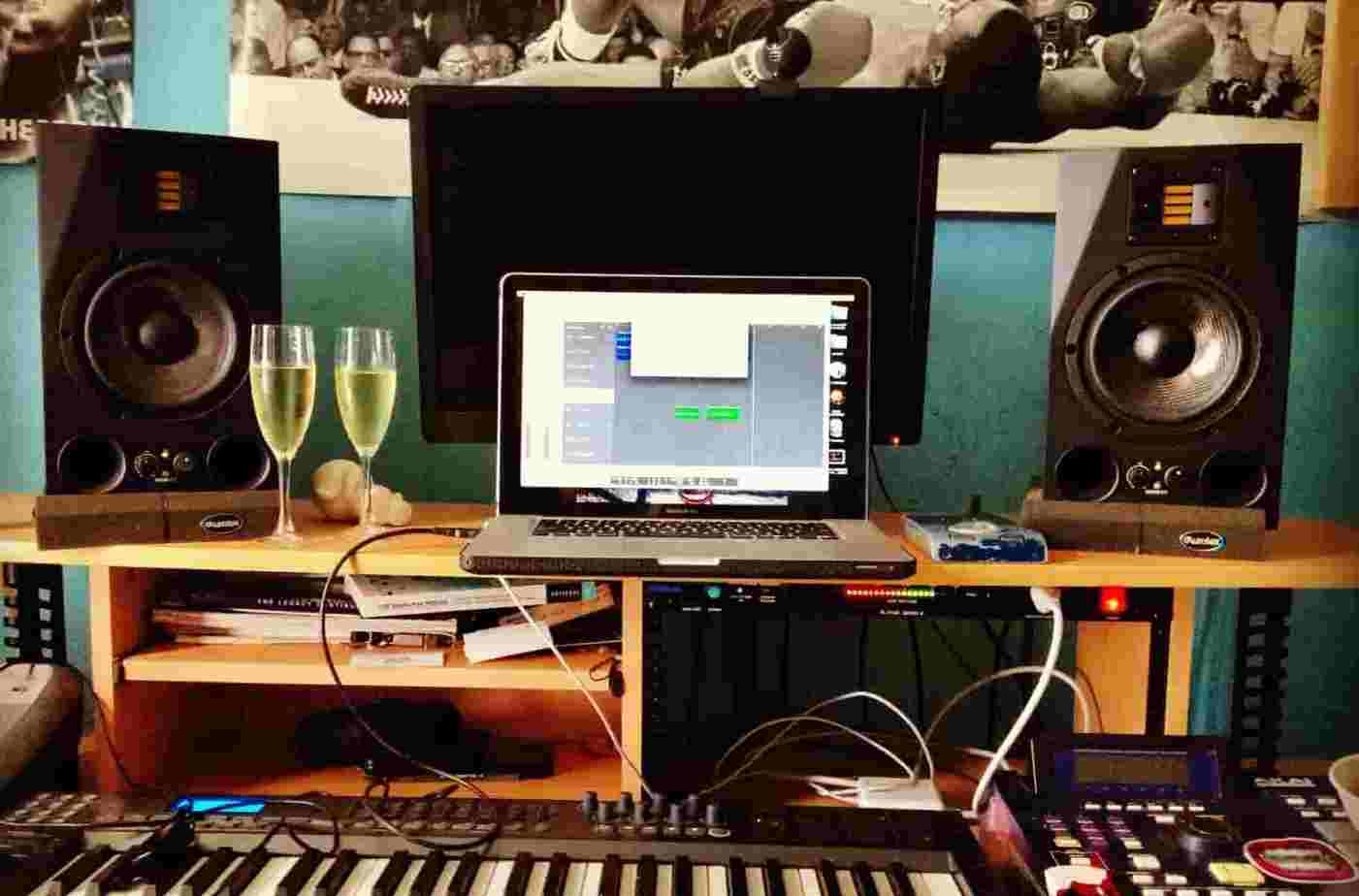 Home Recording Studio Setup for Beginners: 5 Essential Items to Own –  Musicians HQ
